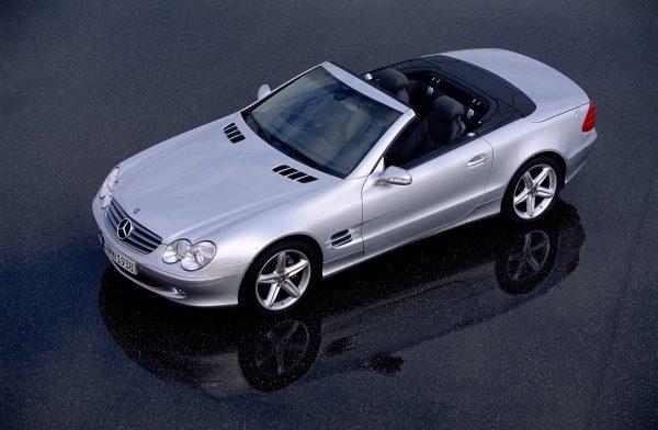 Der Mercedes-Benz R 230