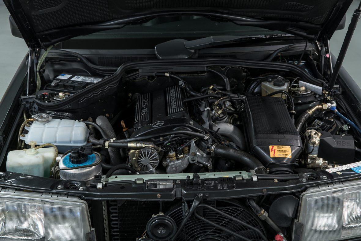 Mercedes-Benz 190 E 2.5-16 EVO 2 (W 201) 5