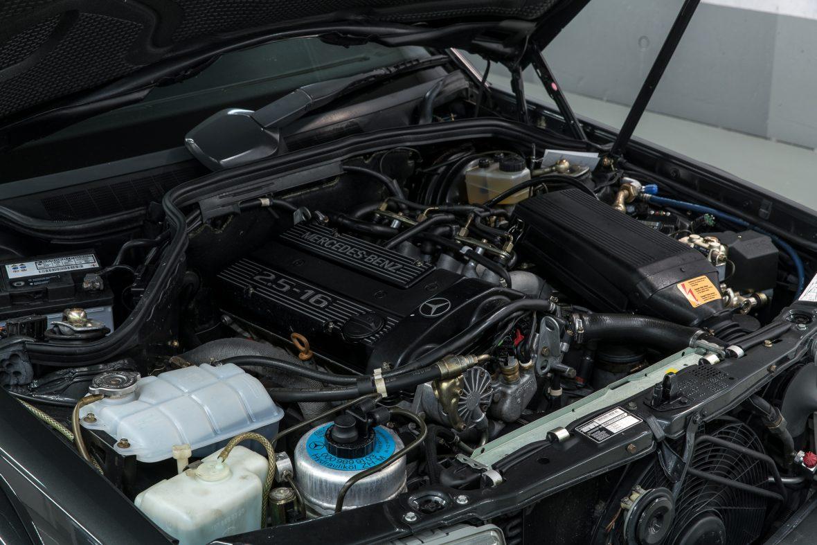Mercedes-Benz 190 E 2.5-16 EVO 2 (W 201) 7