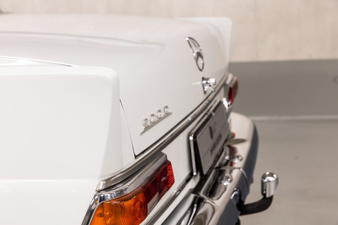 Mercedes-Benz W 110  200 D 9
