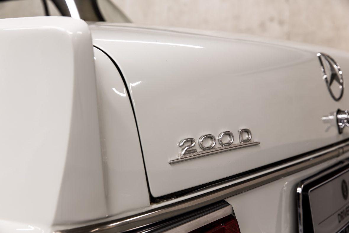 Mercedes-Benz W 110  200 D 8
