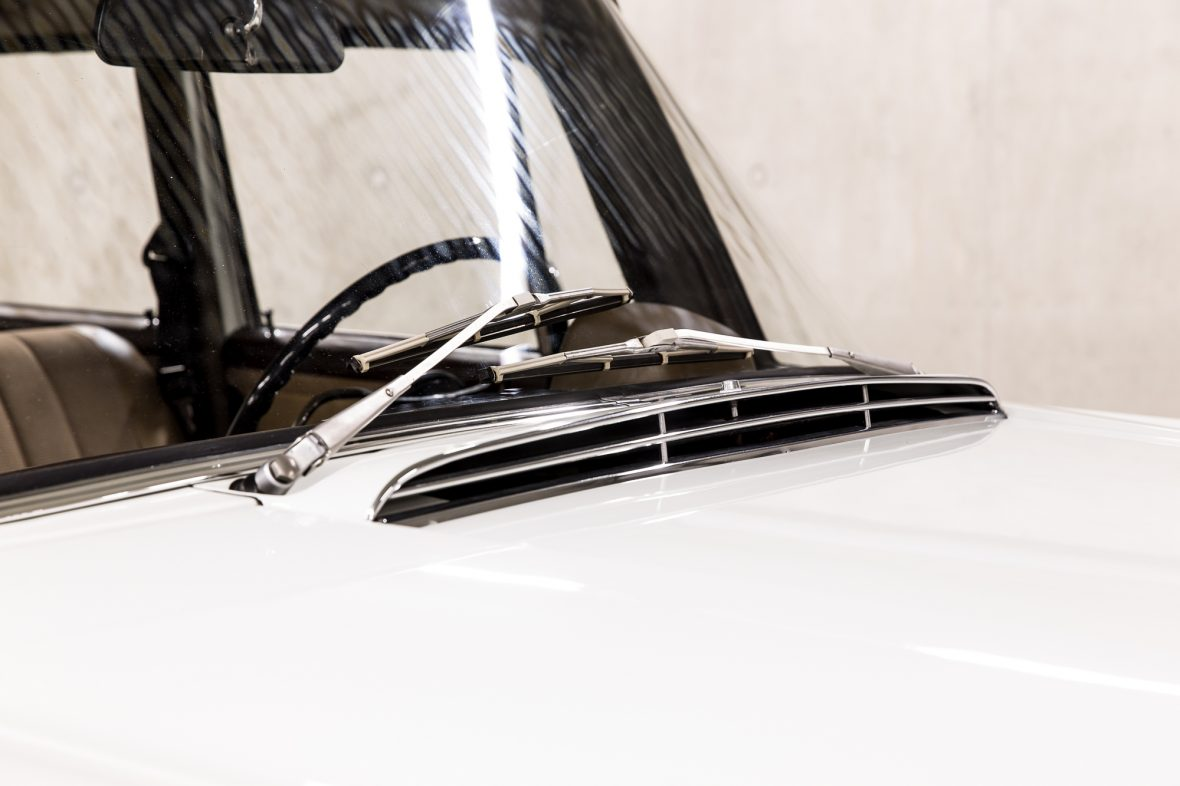 Mercedes-Benz W 110  200 D 16