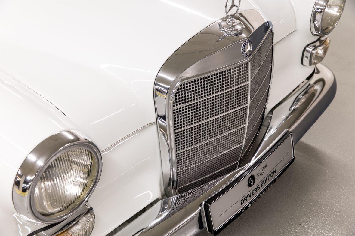 Mercedes-Benz W 110  200 D 18