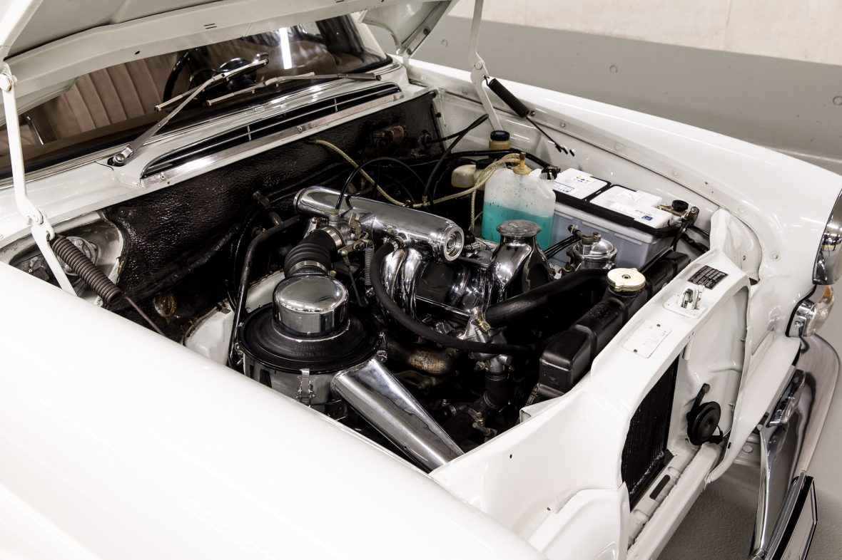 Mercedes-Benz W 110  200 D 4