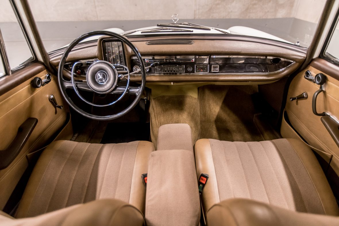 Mercedes-Benz W 110  200 D 14