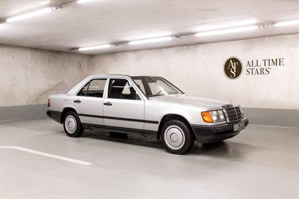 Mercedes-Benz  200 (W 124)