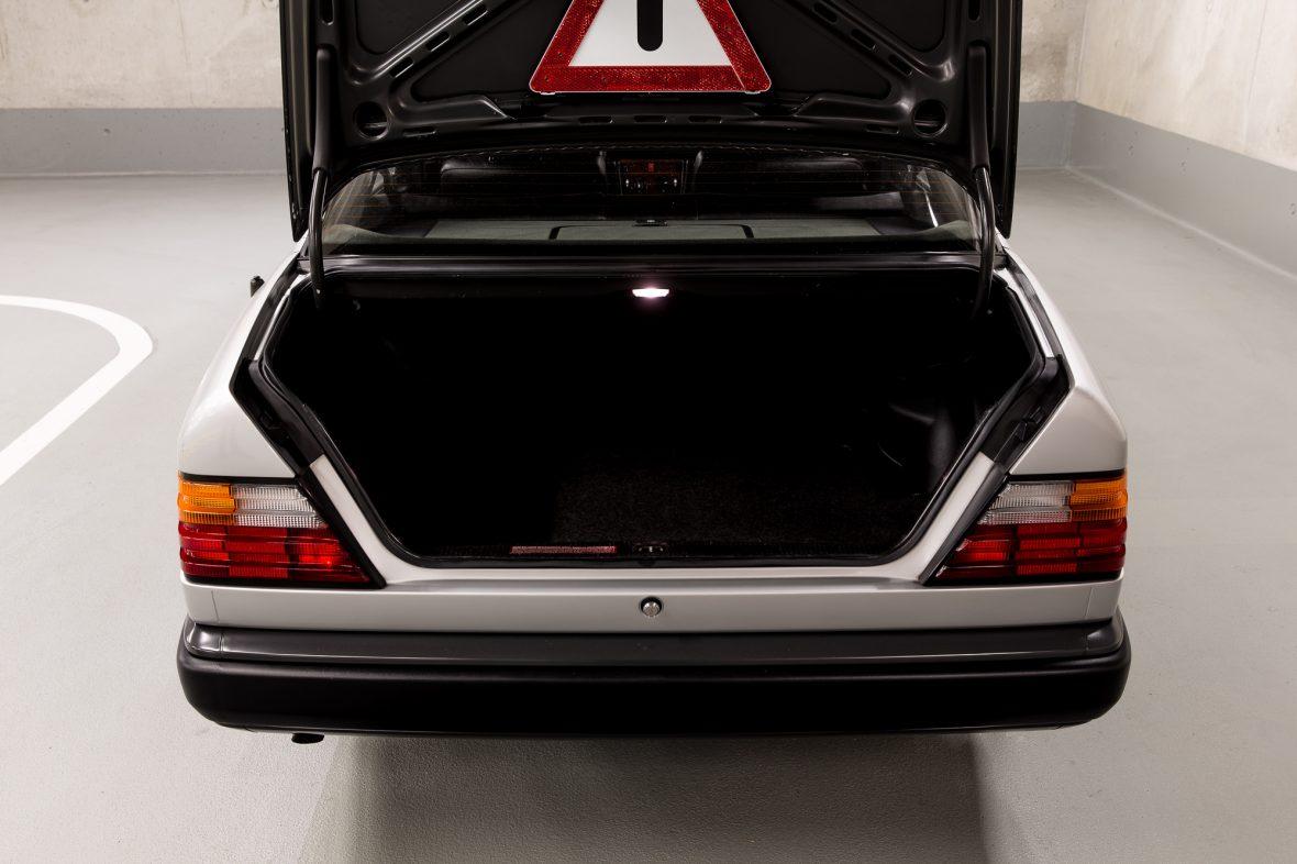 Mercedes-Benz  200 (W 124) 15