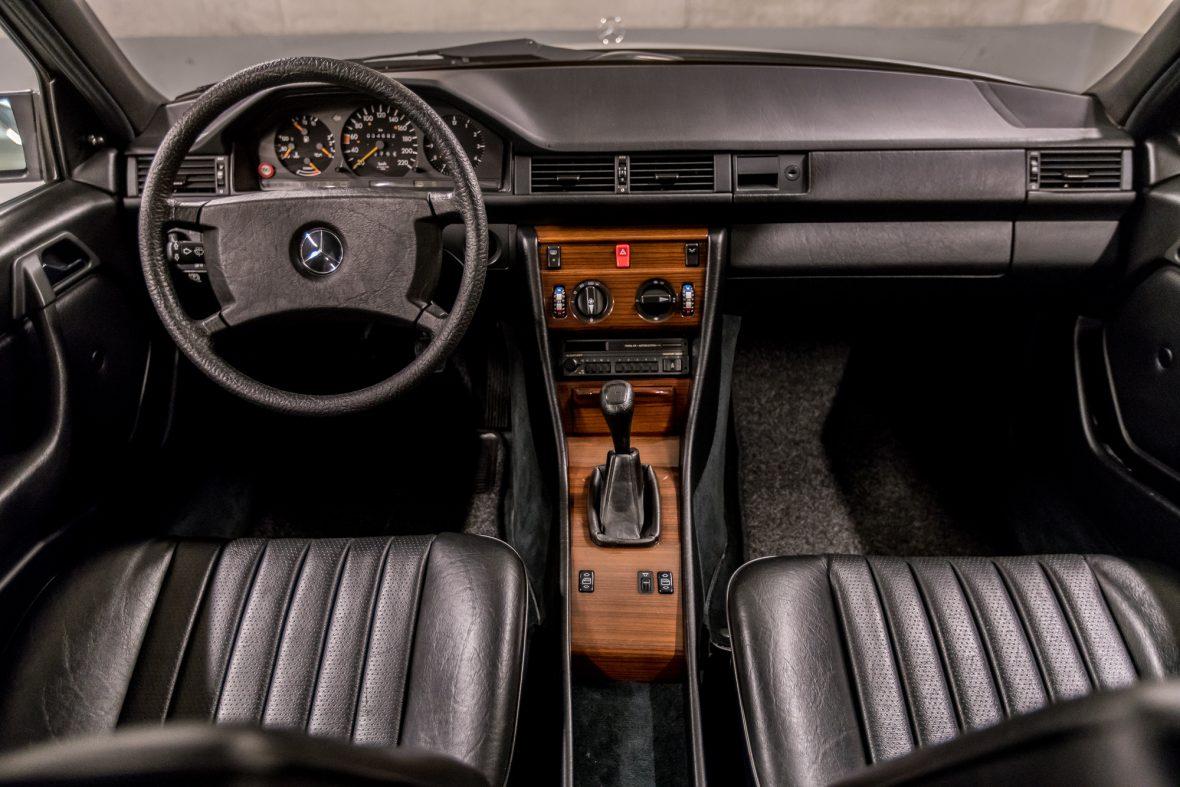 Mercedes-Benz  200 (W 124) 16