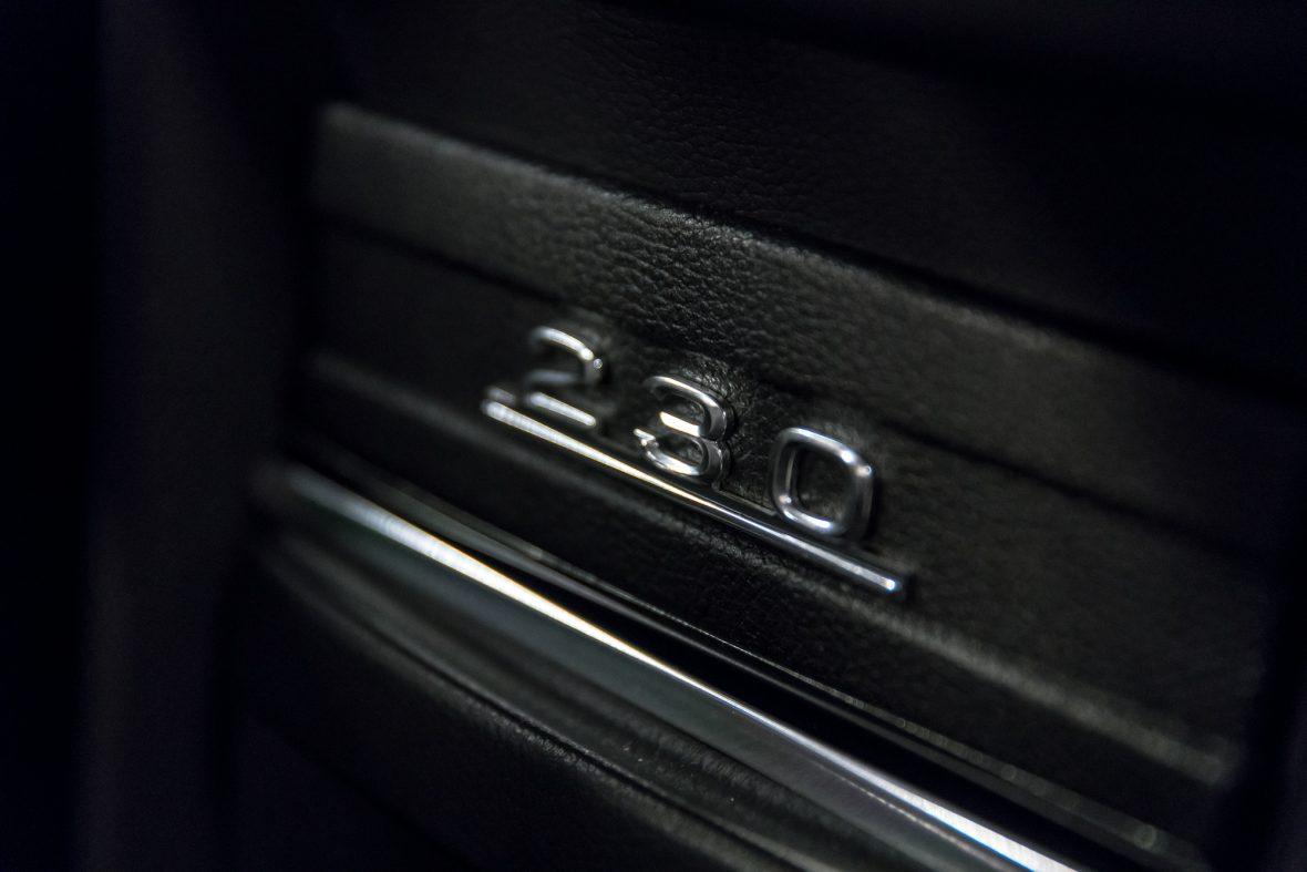 Mercedes-Benz 230.6 (W 114) 13