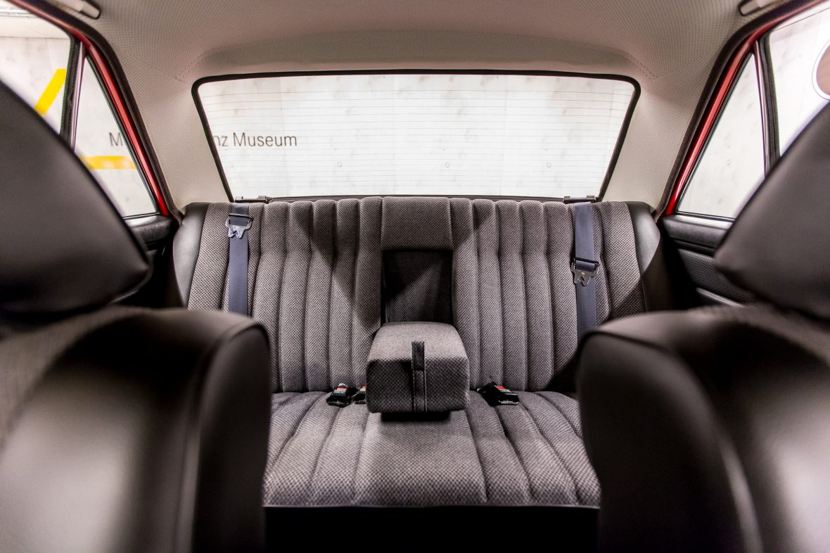 Mercedes-Benz 230.6 (W 114) 16