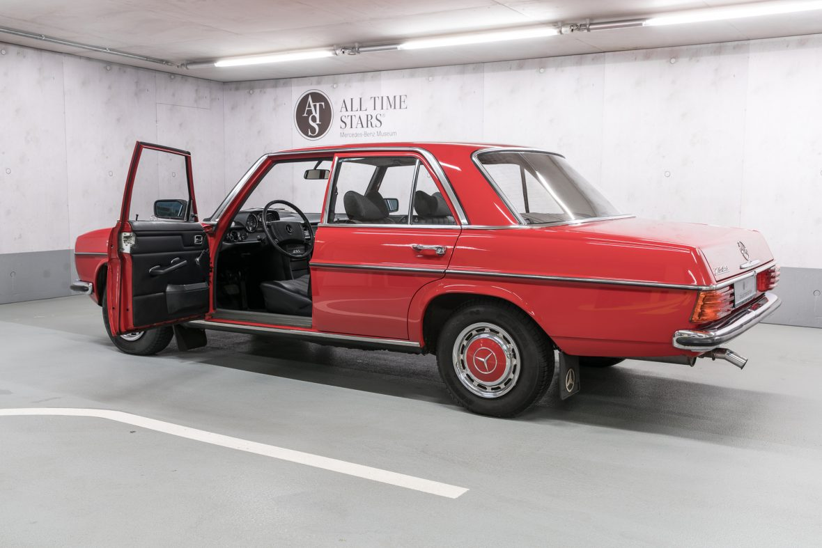 Mercedes-Benz 230.6 (W 114) 7