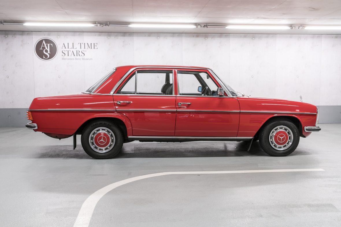 Mercedes-Benz 230.6 (W 114) 1