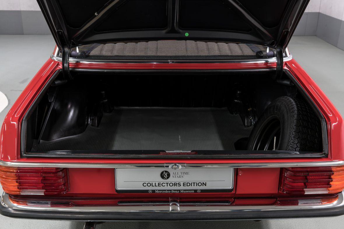 Mercedes-Benz 230.6 (W 114) 25