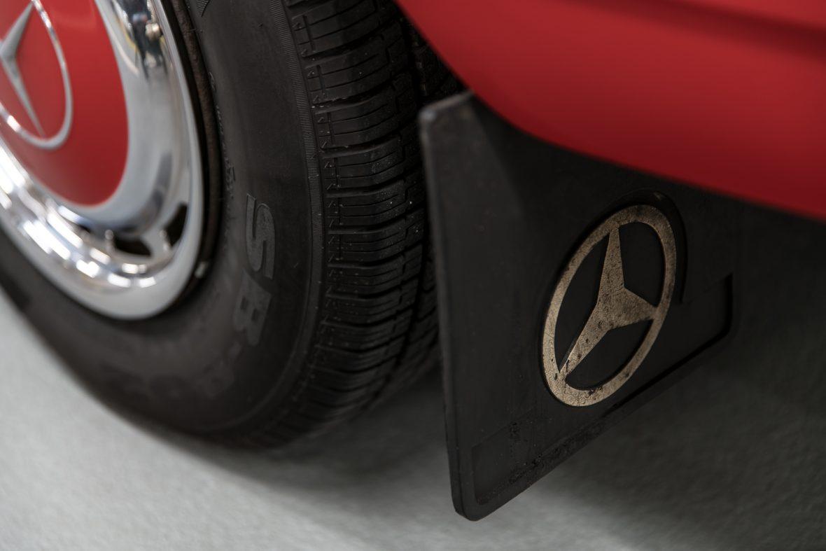 Mercedes-Benz 230.6 (W 114) 21