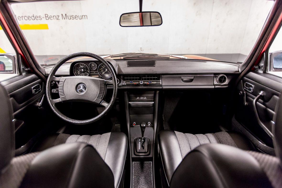 Mercedes-Benz 230.6 (W 114) 26