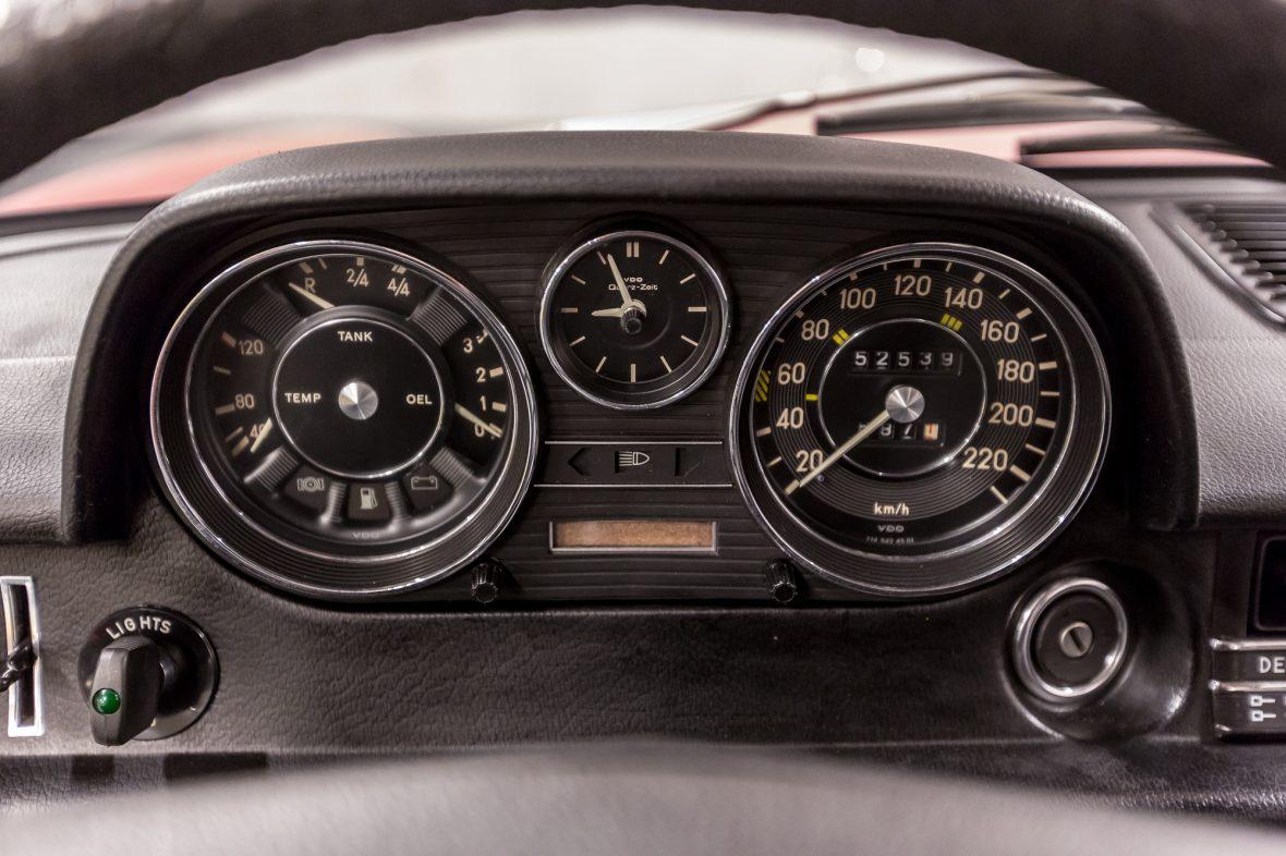 Mercedes-Benz 230.6 (W 114) 27