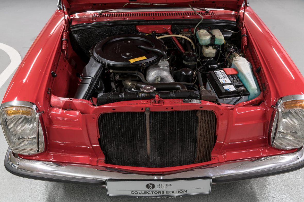 Mercedes-Benz 230.6 (W 114) 8