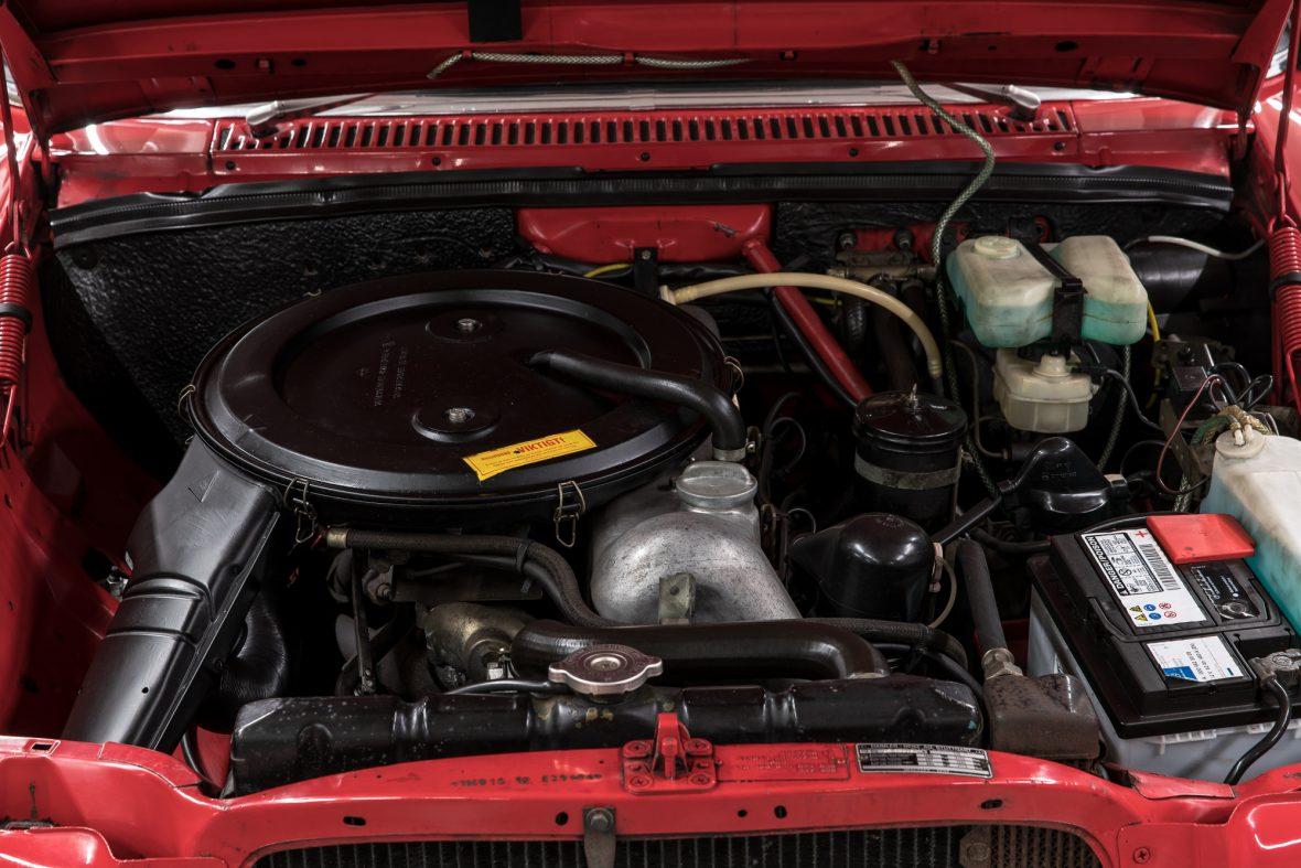 Mercedes-Benz 230.6 (W 114) 9