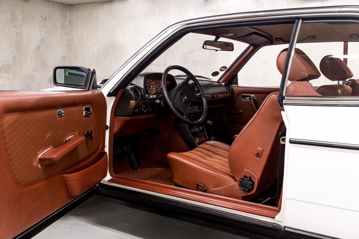 Mercedes-Benz C 123 230 CE 10