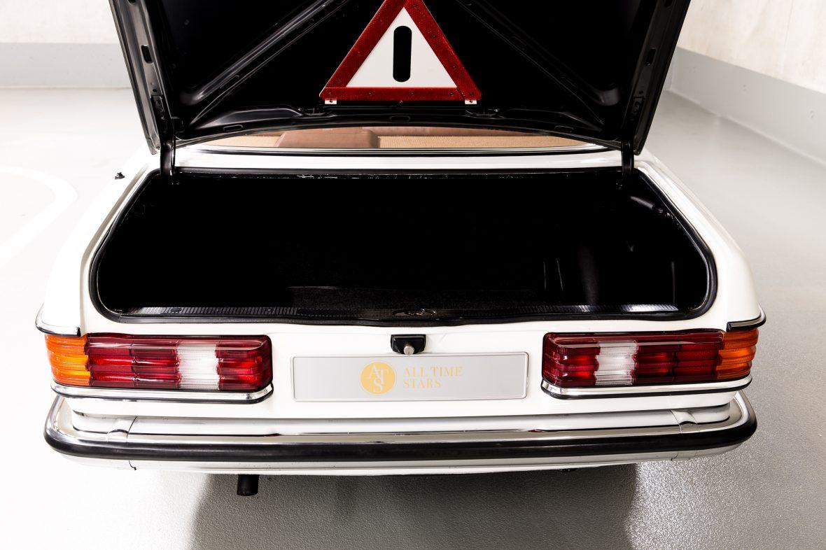 Mercedes-Benz C 123 230 CE 7