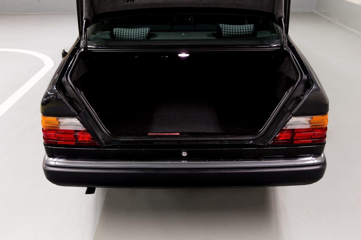 Mercedes-Benz C 124 230 CE 11