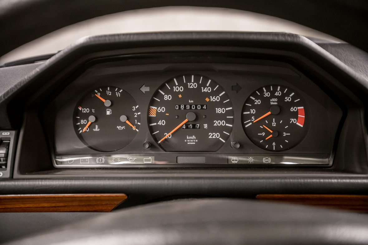 Mercedes-Benz C 124 230 CE 7