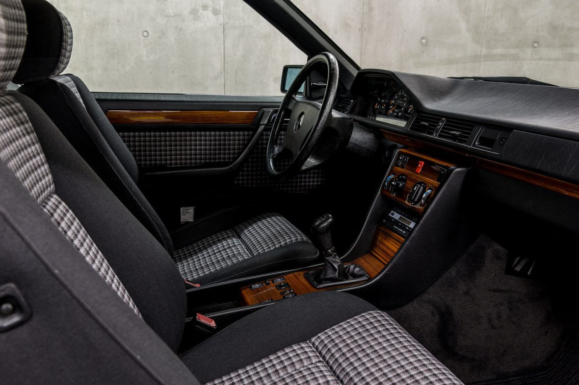 Mercedes-Benz C 124 230 CE 8