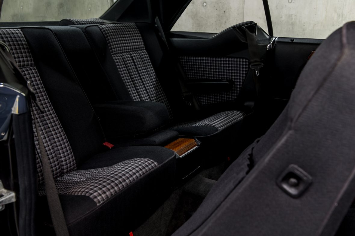 Mercedes-Benz C 124 230 CE 9