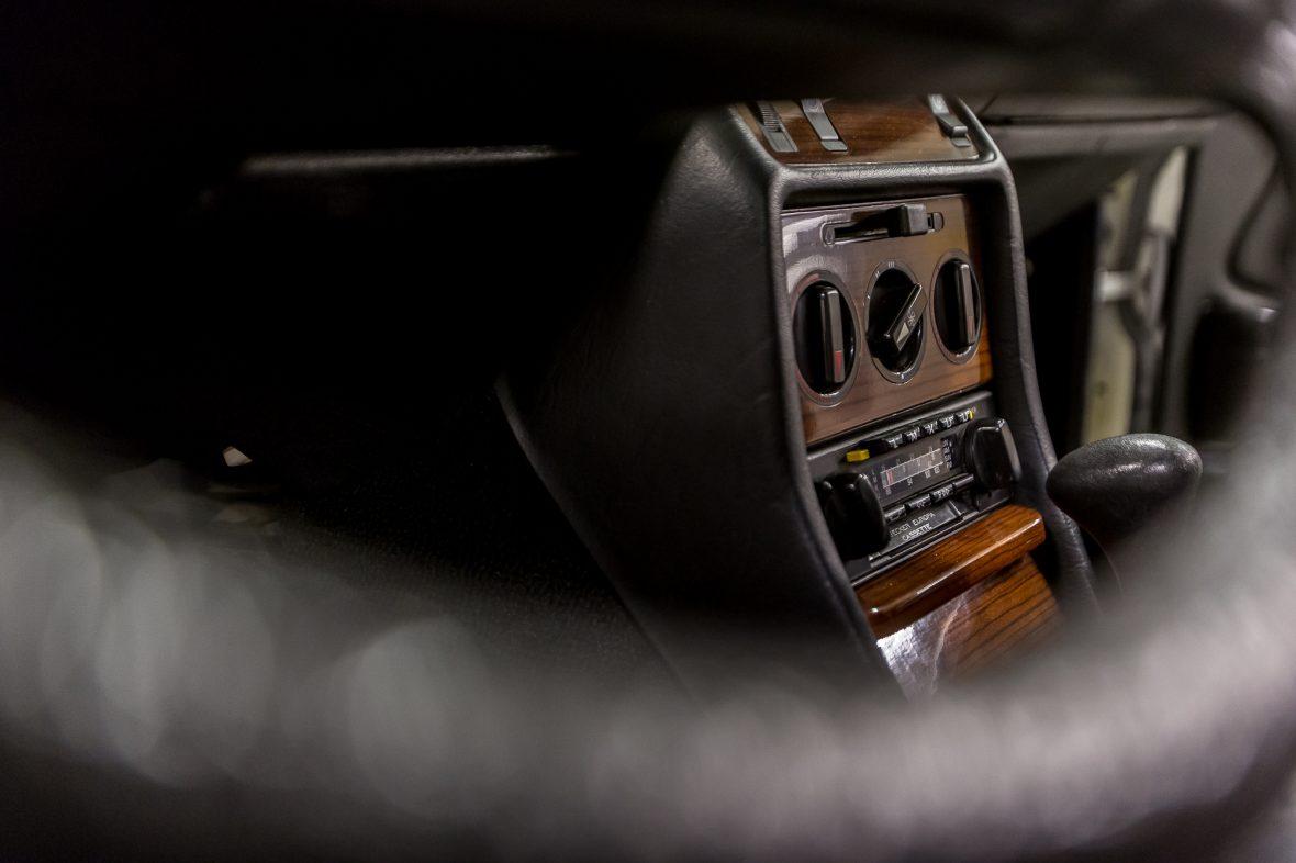 Mercedes-Benz 230 C (C 123) 14