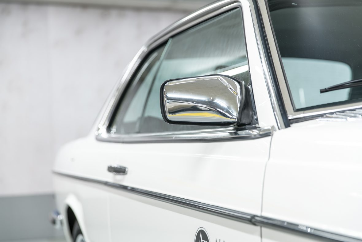 Mercedes-Benz 230 C (C 123) 18
