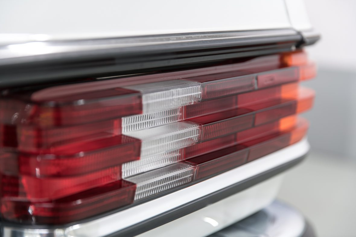 Mercedes-Benz 230 C (C 123) 23