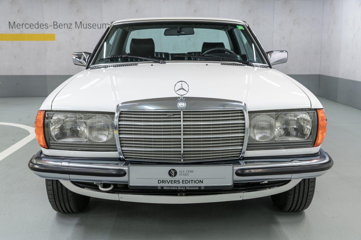 Mercedes-Benz 230 C (C 123) 3