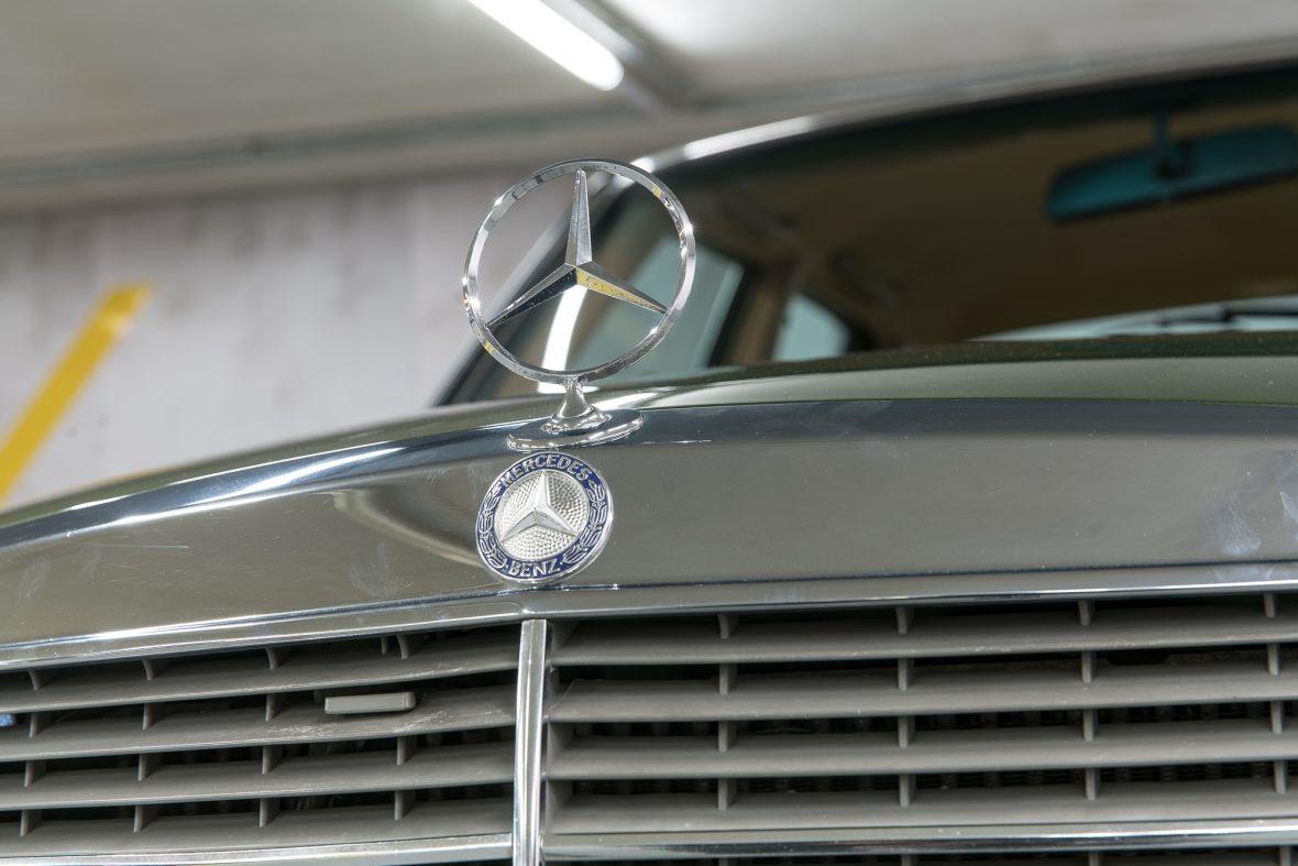 Mercedes-Benz W 123 230 E 13