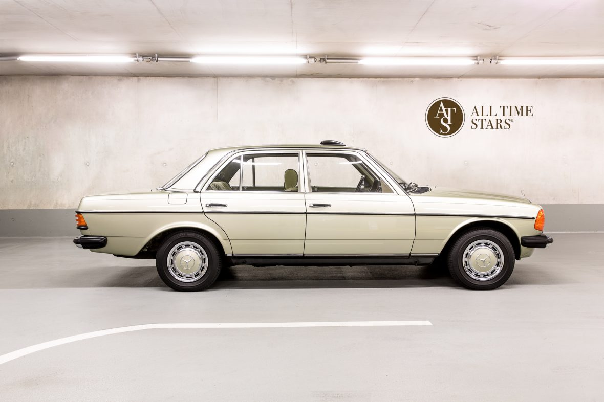 Mercedes benz 230e limousine w123 mercedes benz en for Mercedes benz 230e