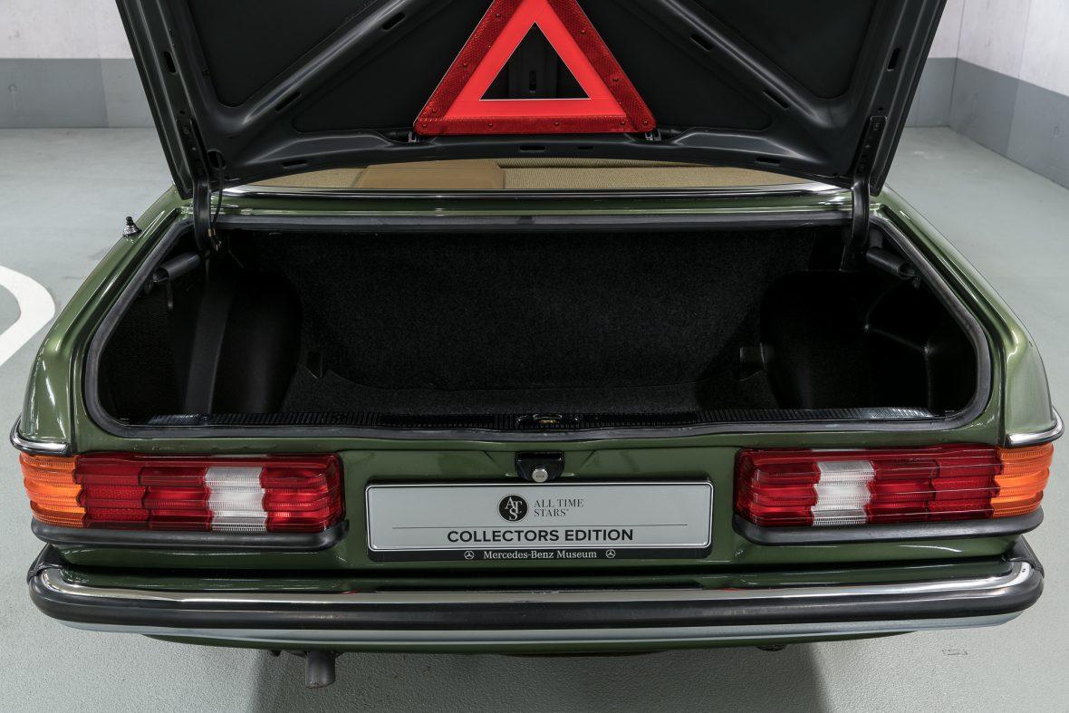 Mercedes-Benz W 123 230 E 22