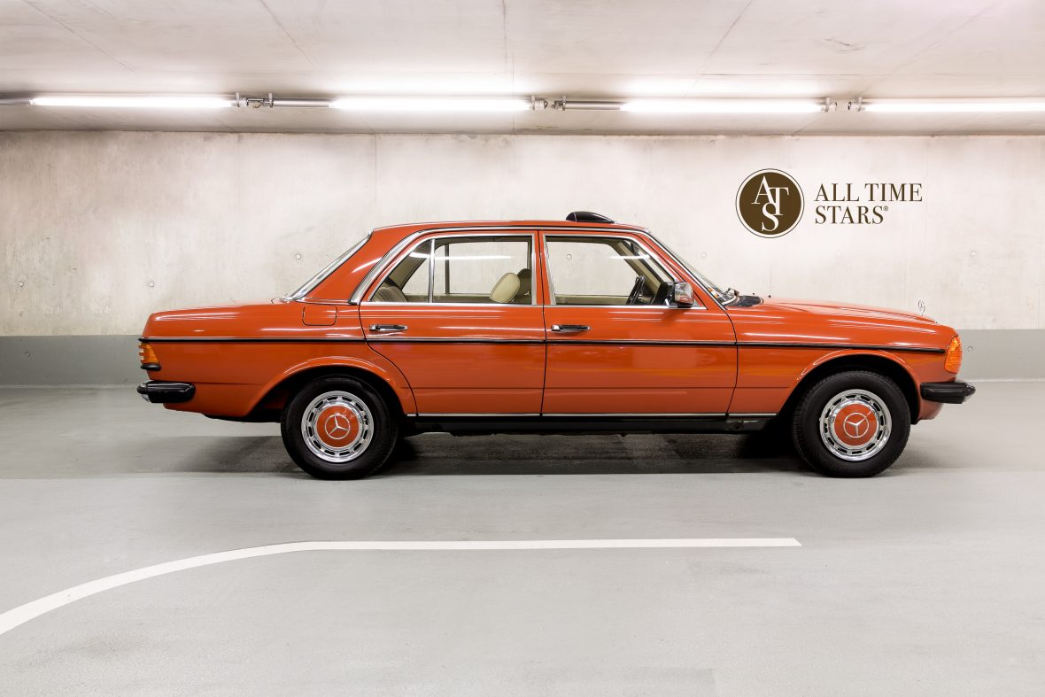 Mercedes-Benz W 123 230 E 1