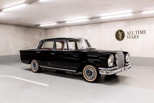 Mercedes-Benz W 111 230 S