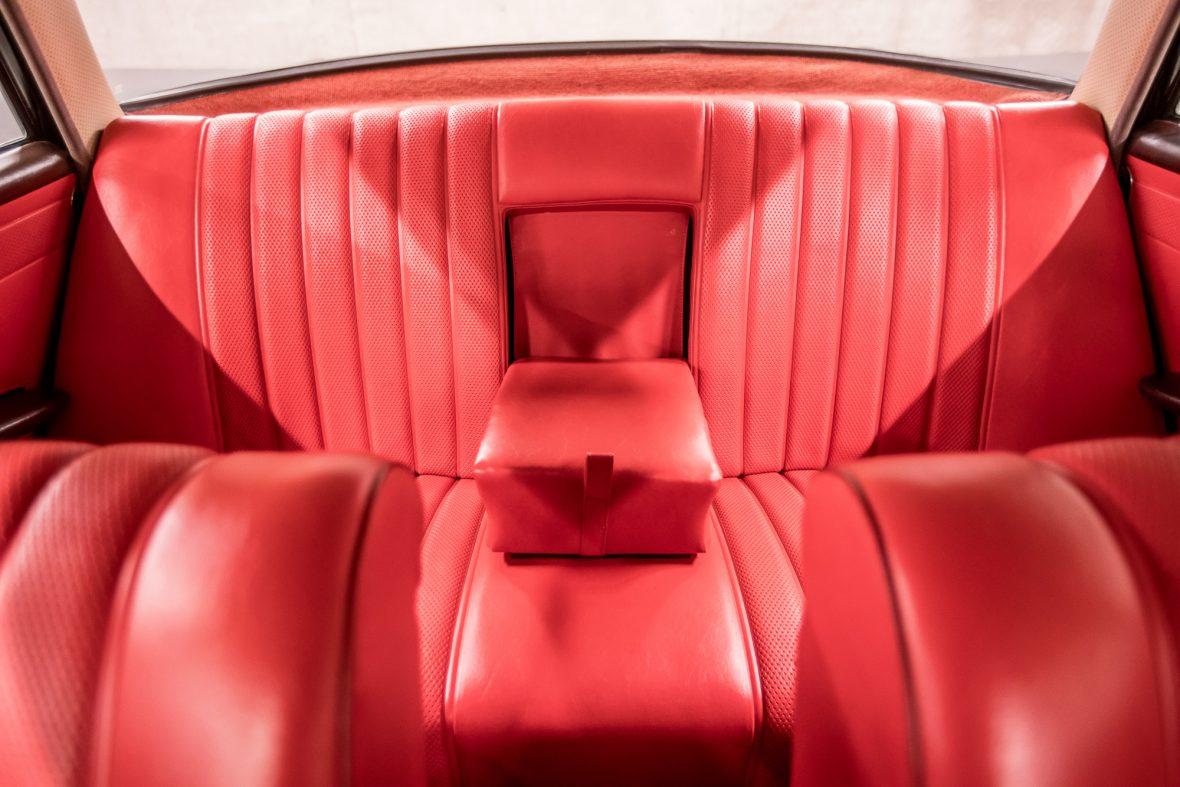 Mercedes-Benz W 111 230 S 9