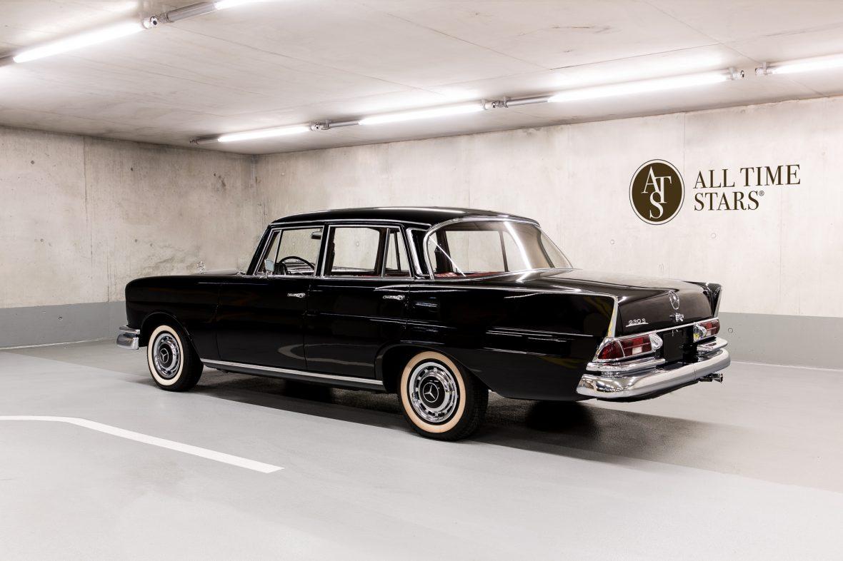 Mercedes-Benz W 111 230 S 0
