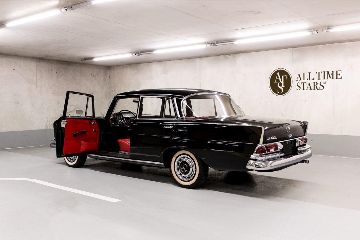 Mercedes-Benz W 111 230 S 5