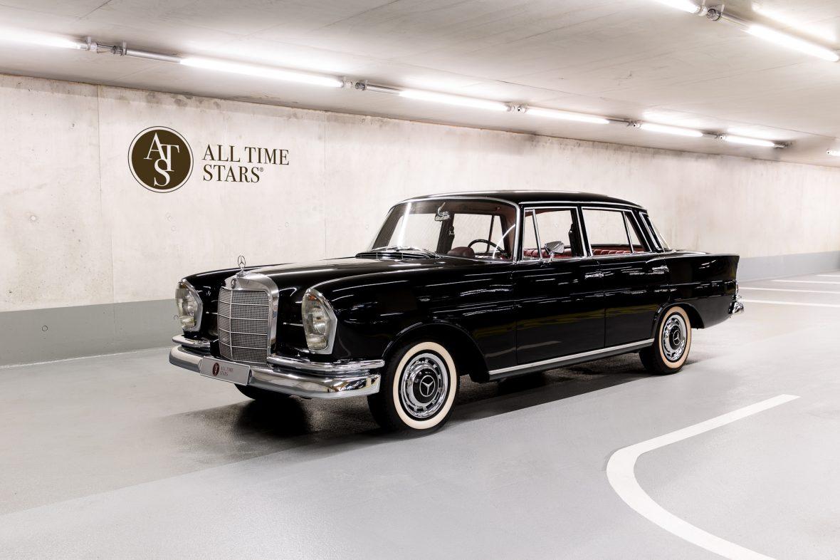 Mercedes-Benz W 111 230 S 1