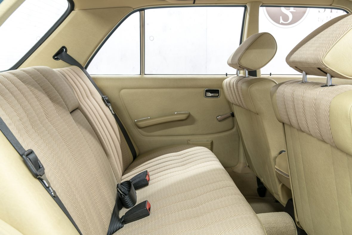 Mercedes-Benz W 123 240 D 9