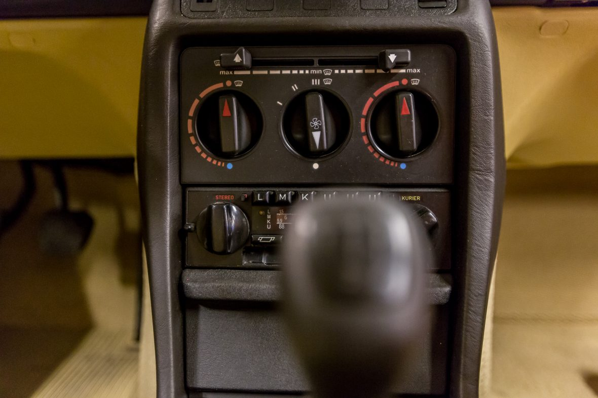Mercedes-Benz  W 123 240 D 12