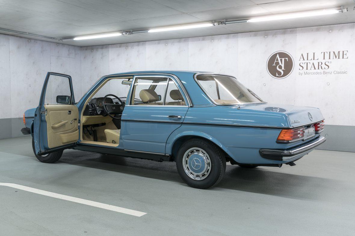 Mercedes-Benz W 123 240 D 19