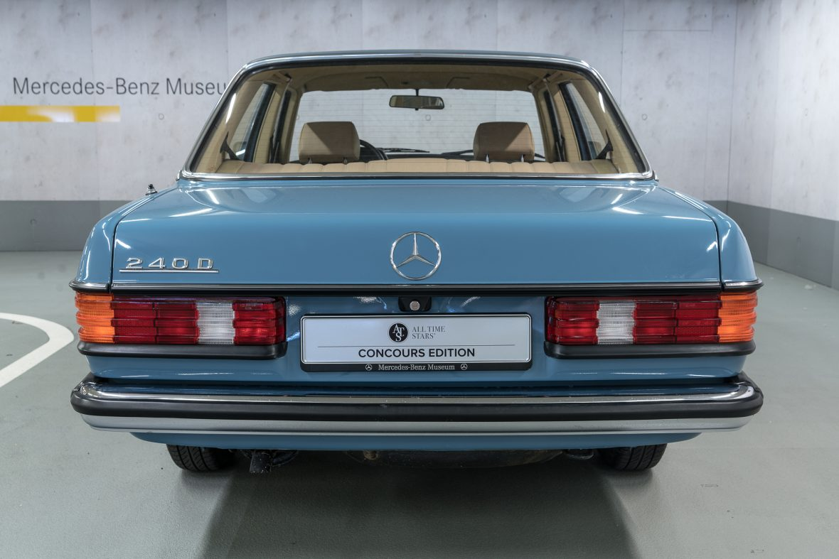 Mercedes-Benz  W 123 240 D 21