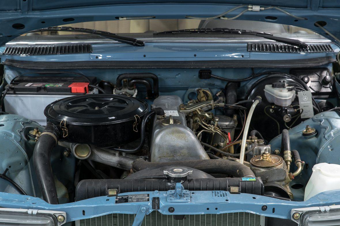 Mercedes-Benz W 123 240 D 5