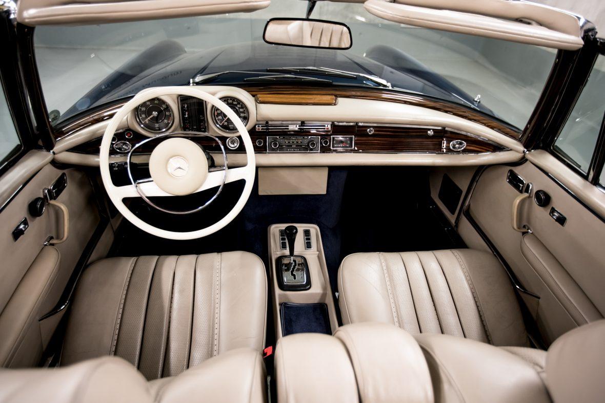 Mercedes-Benz 280 SE 3.5 Cabriolet (W 111) 14