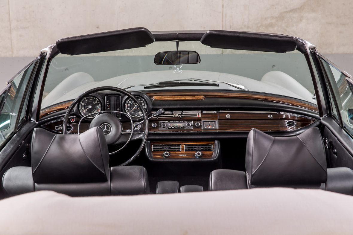 Mercedes-Benz W 111 280 SE 3,5 Cabriolet 16