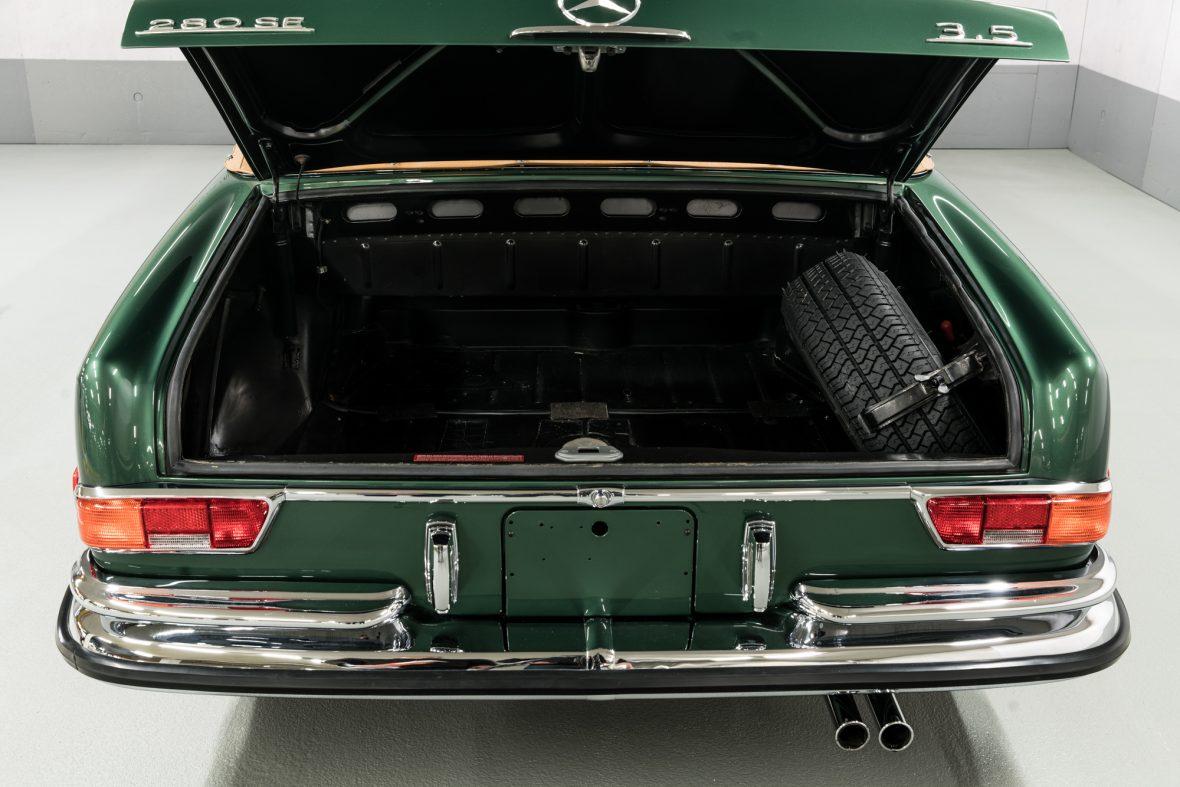 Mercedes-Benz 280 SE 3.5 (W111) 8