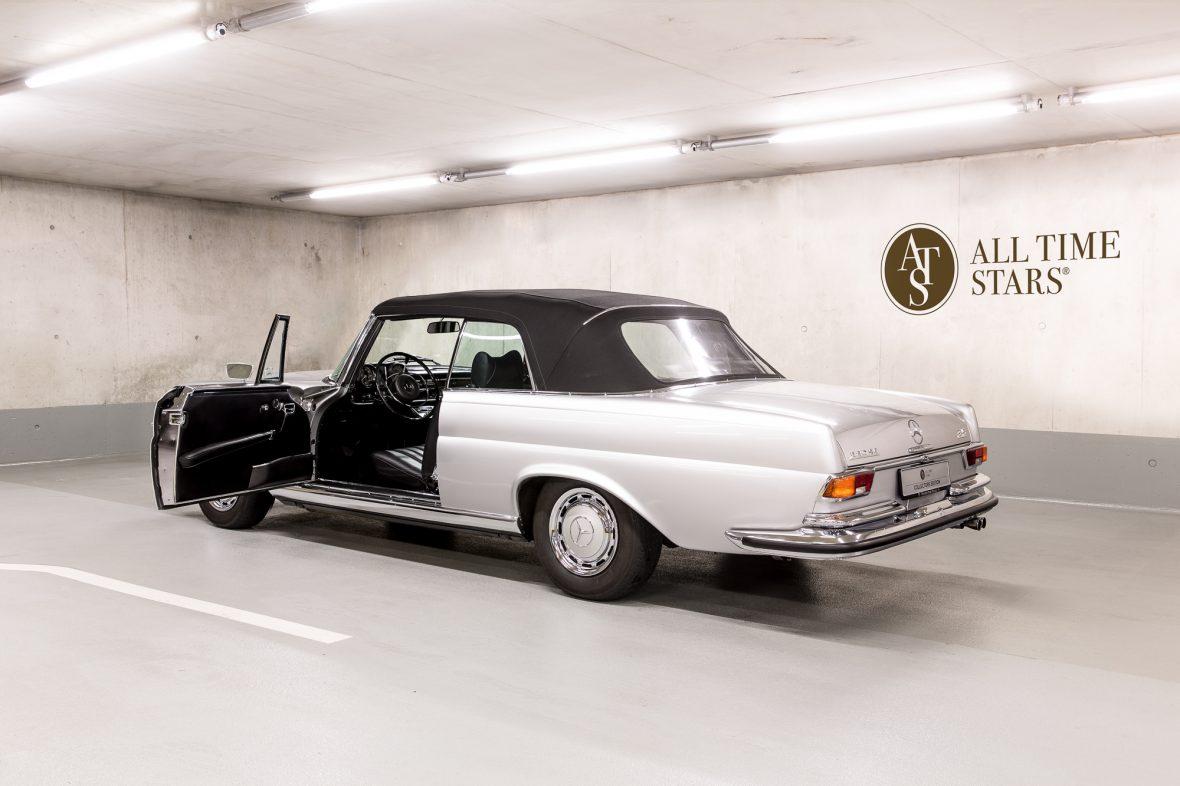 Mercedes-Benz W 111 280 SE 3,5 Cabriolet 7